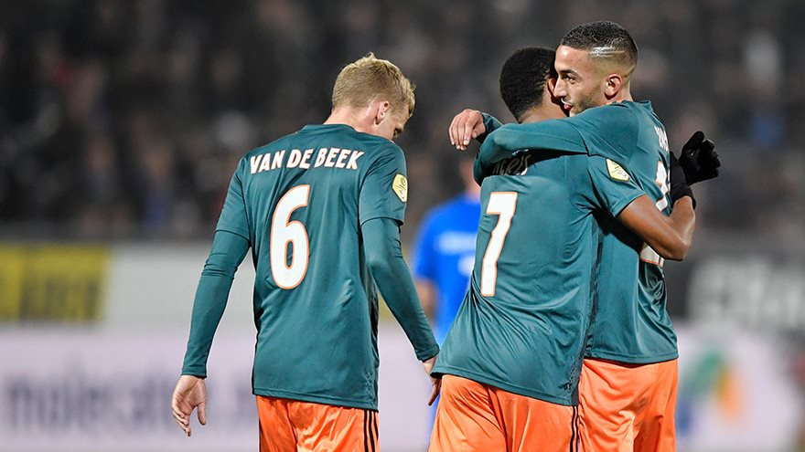 ajax-has-tough-time-in-zwolle-